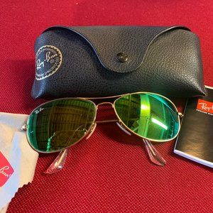 Ray-Ban Green Women's Aviators with Case